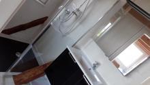 Badezimmer der neuenFerienwohnung 4 im Obergeschoss des Anbaus