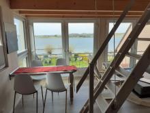 Essbereich der Ferienwohnung 4 im Obergeschoss des Anbaus mit Meerblick